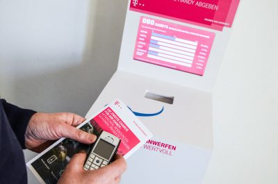 Mobile, digitale Handysammelbox mit Flyer