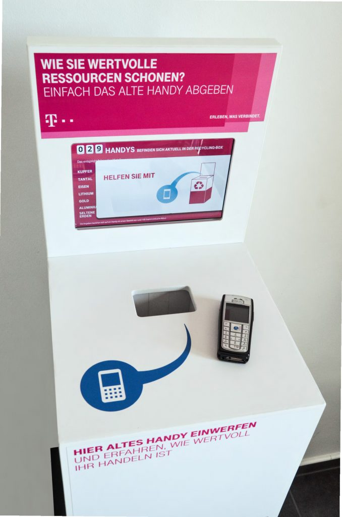 Mobile. digitale Handysammelbox mit Handy