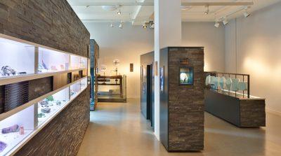 Studioausstellung zum Thema Smartphone-Recycling